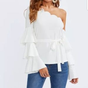 Trumpet tiered sleeve blouse